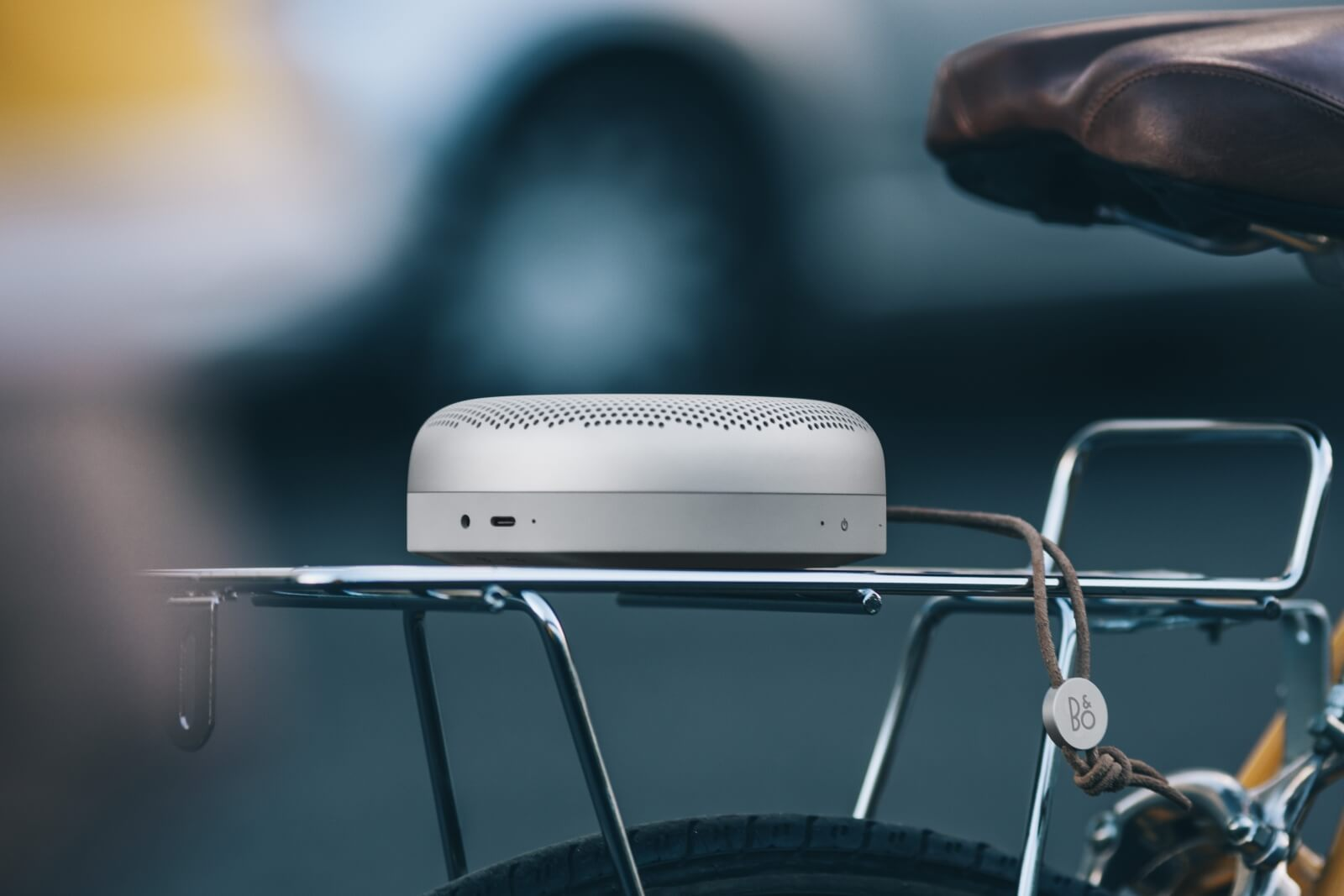 BeoPlay A1 - portable design on the go.
