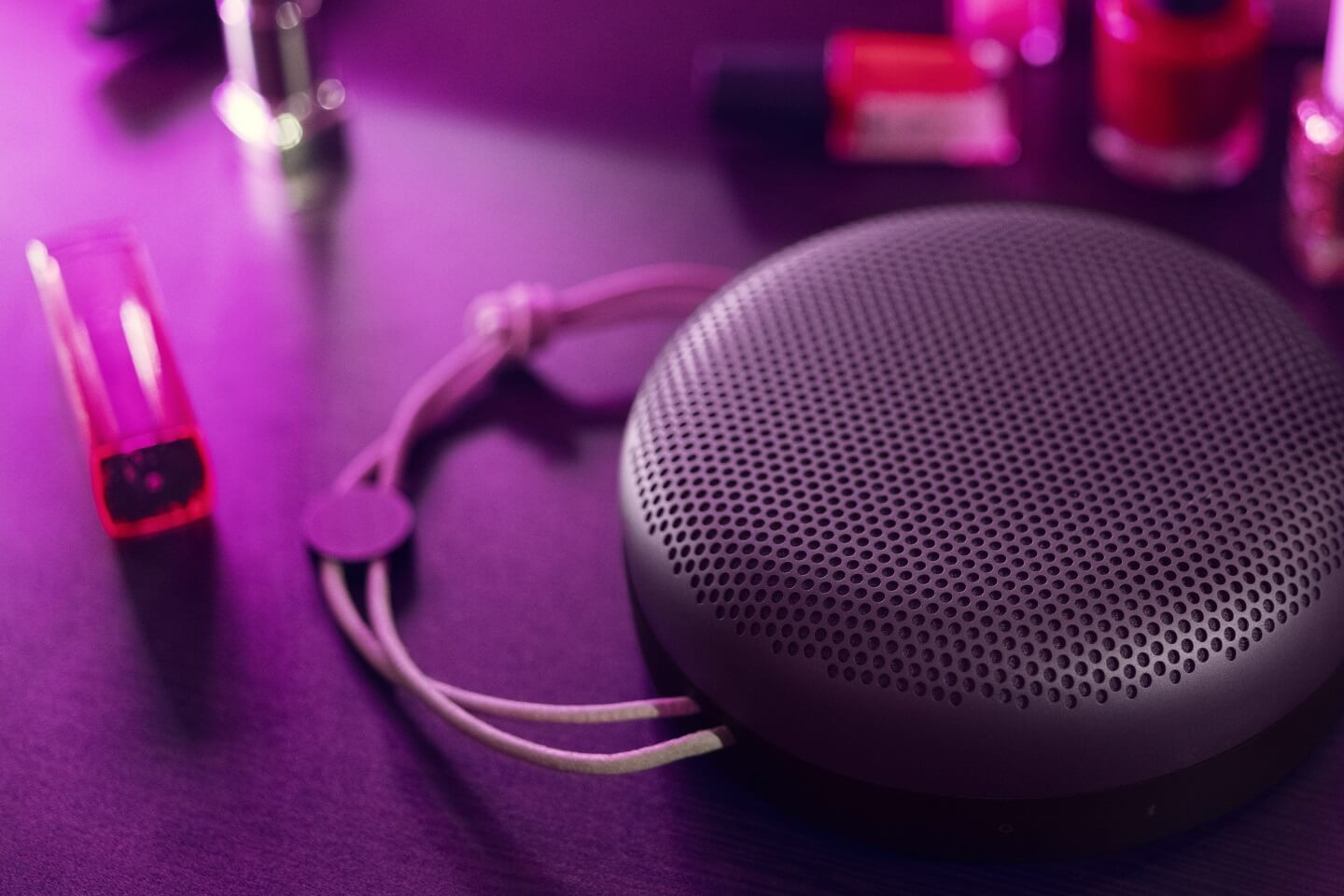 BeoPlay A1 violet