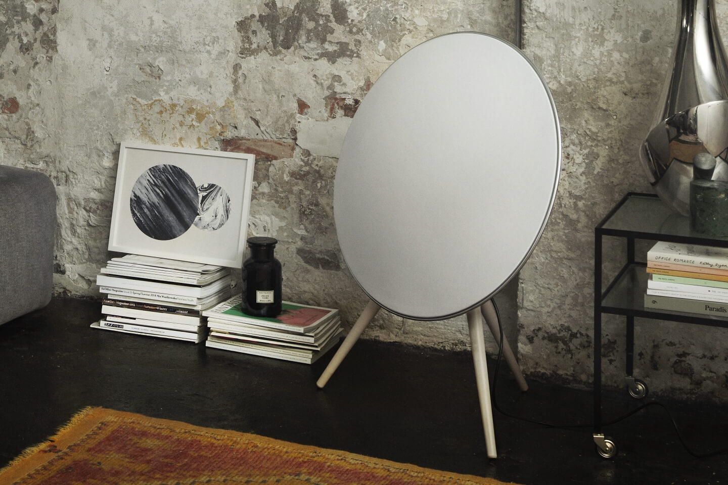 BeoPlay A9 with room adaption