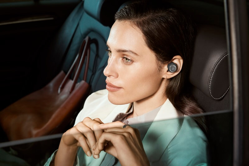 BeoPlay E8- touch interface