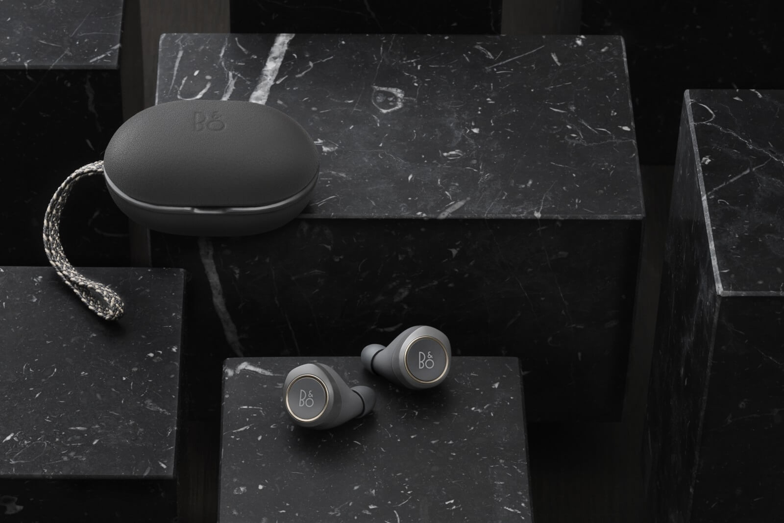 BeoPlay E8 - headphones with innovative Active Noise Cancellation and transparency mode.