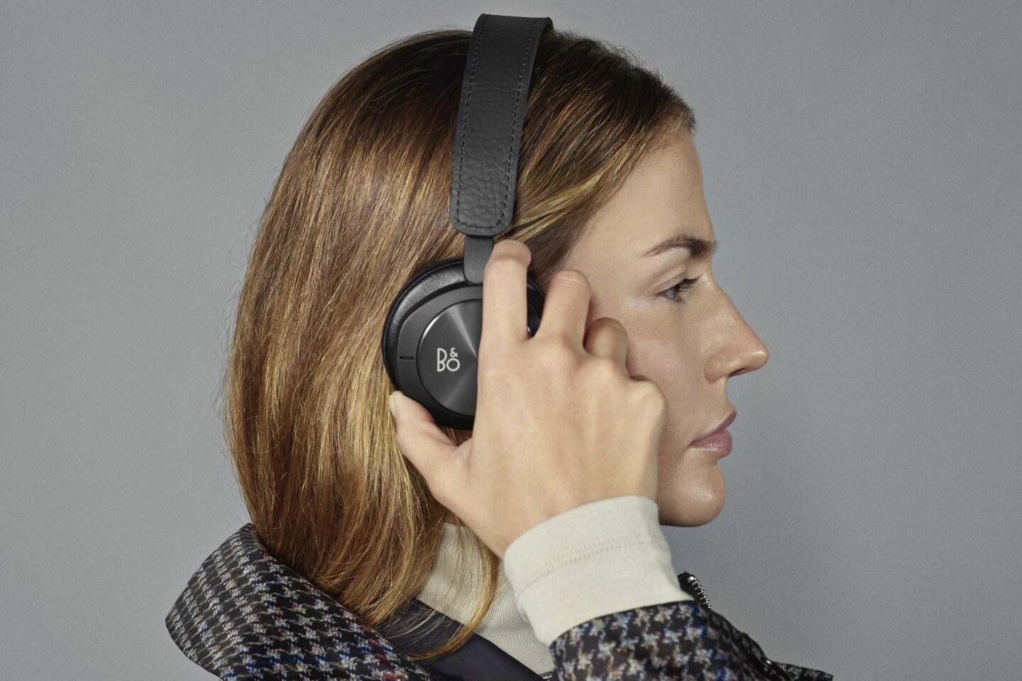 BeoPlay H8i - Travel companion for everyday life