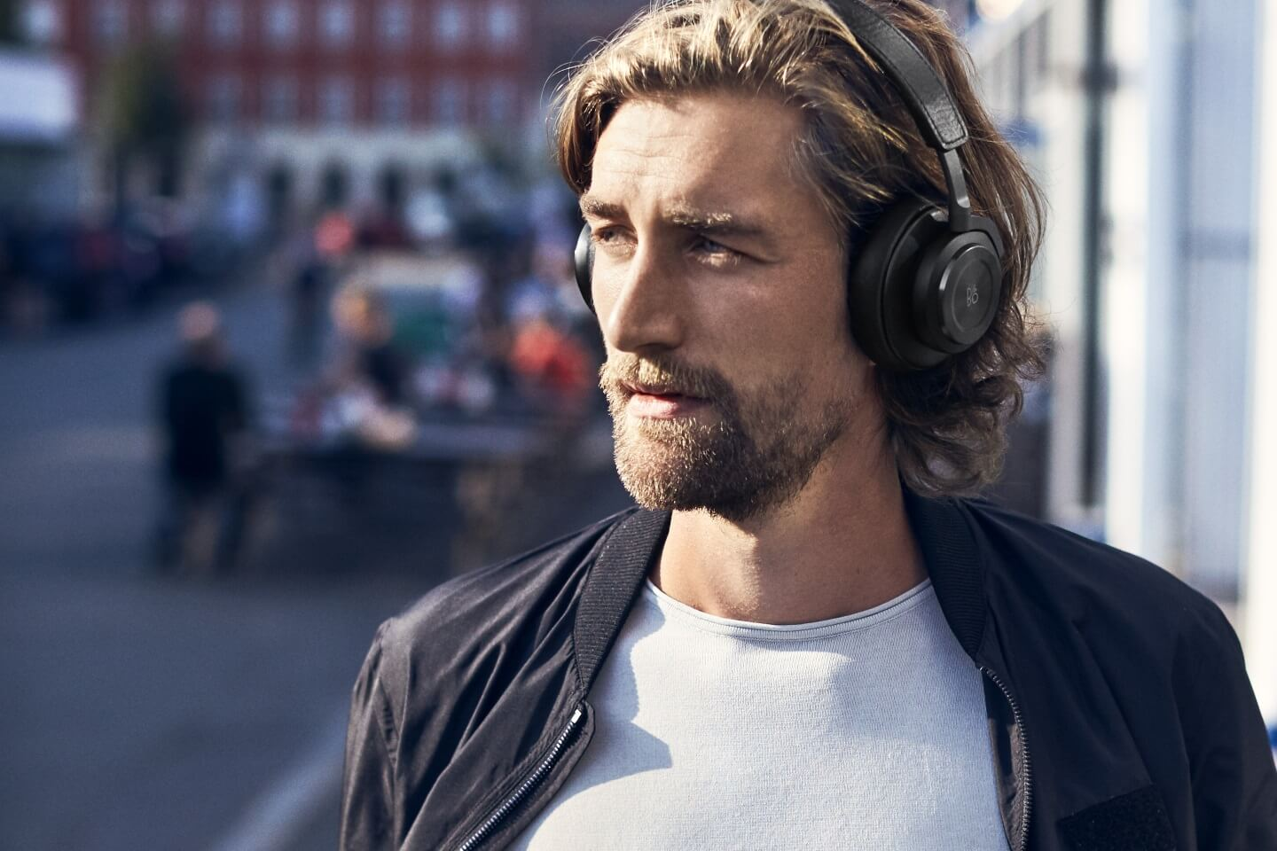 BeoPlay H9 - up to 14 hrs. of battery life with active ANC.