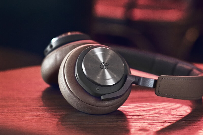 BeoPlay H9 - Luxurious materials
