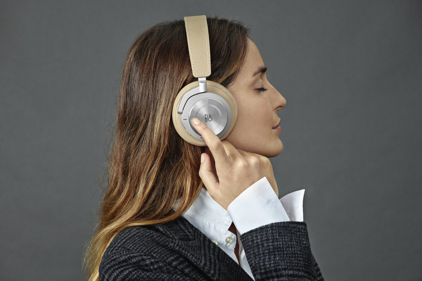 BeoPlay H9i - Travel companion for everyday life