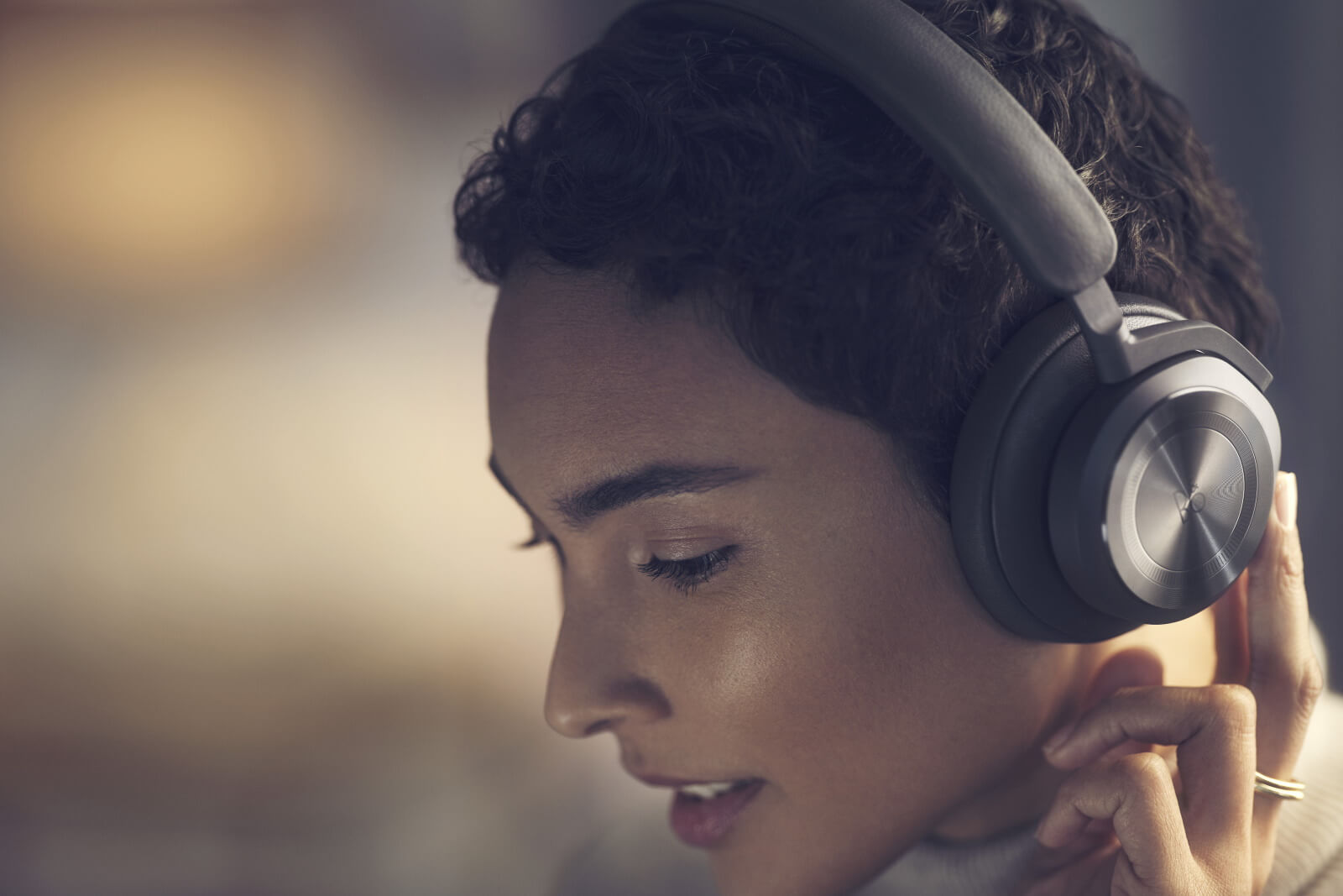 BeoPlay HX - Bluetoth Over-Ear headphones with Adaptive ANC