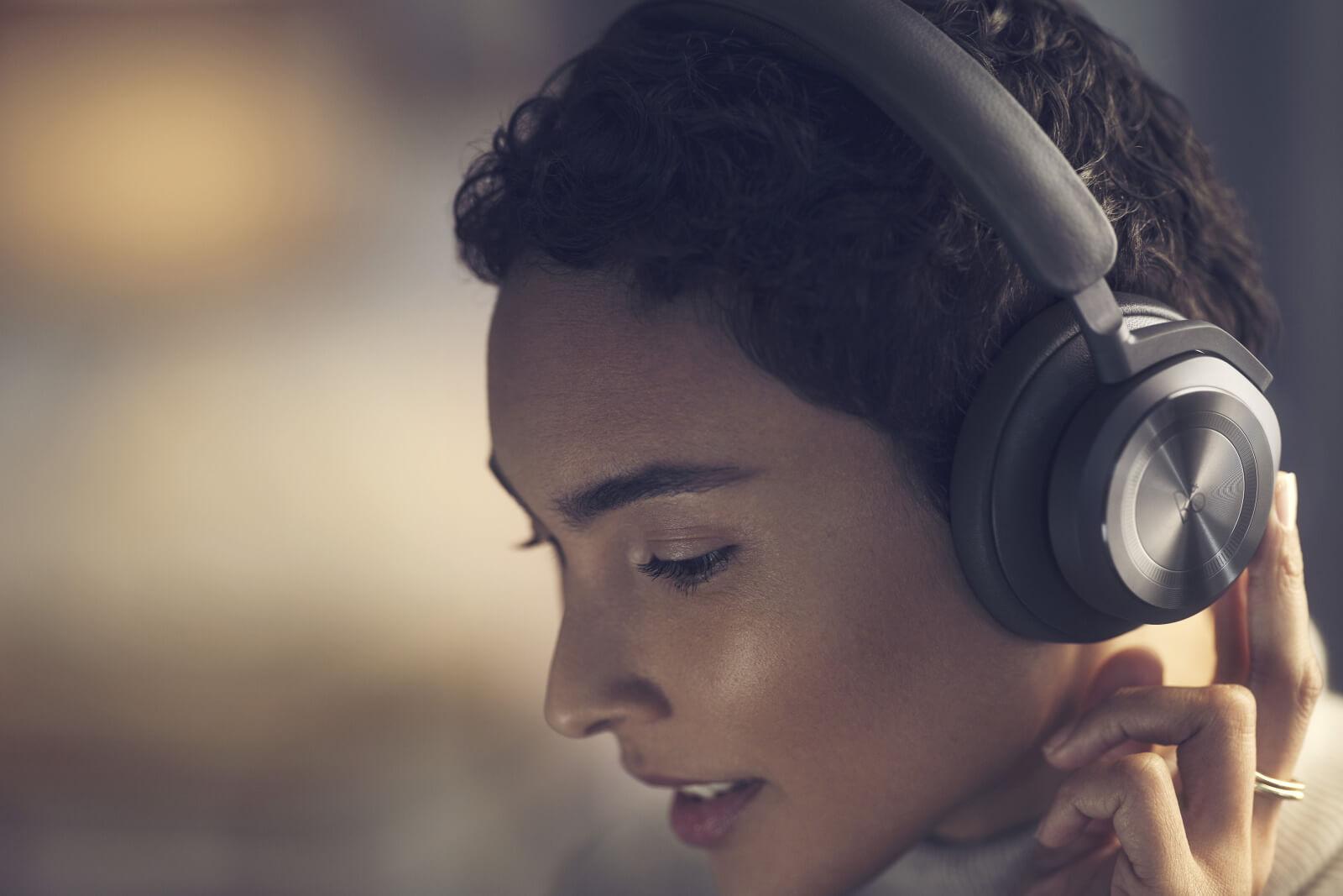 BeoPlay HX - Bluetoth Over-Ear Kopfhörer mit Adaptive ANC