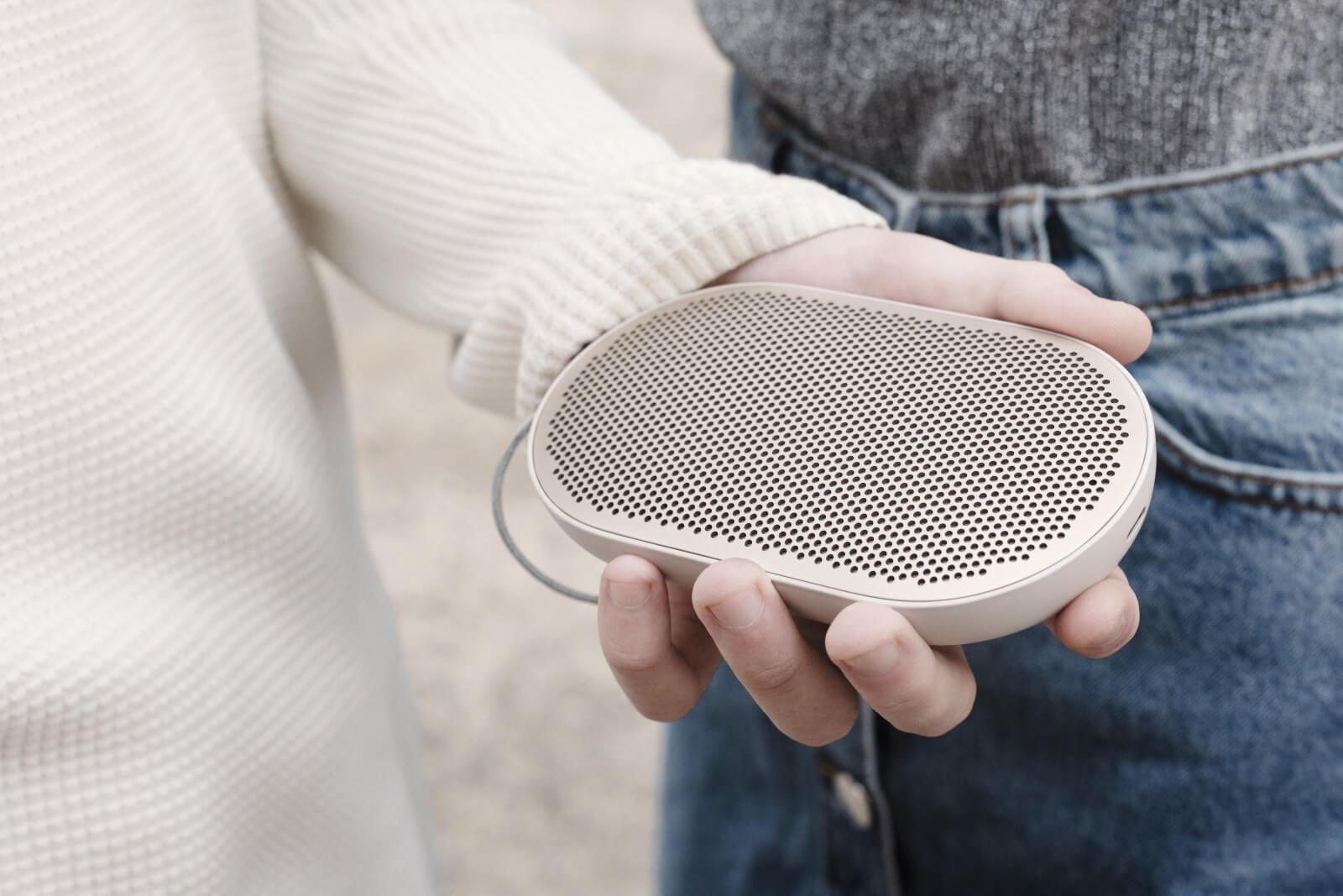 BeoPlay P2 - intelligent features