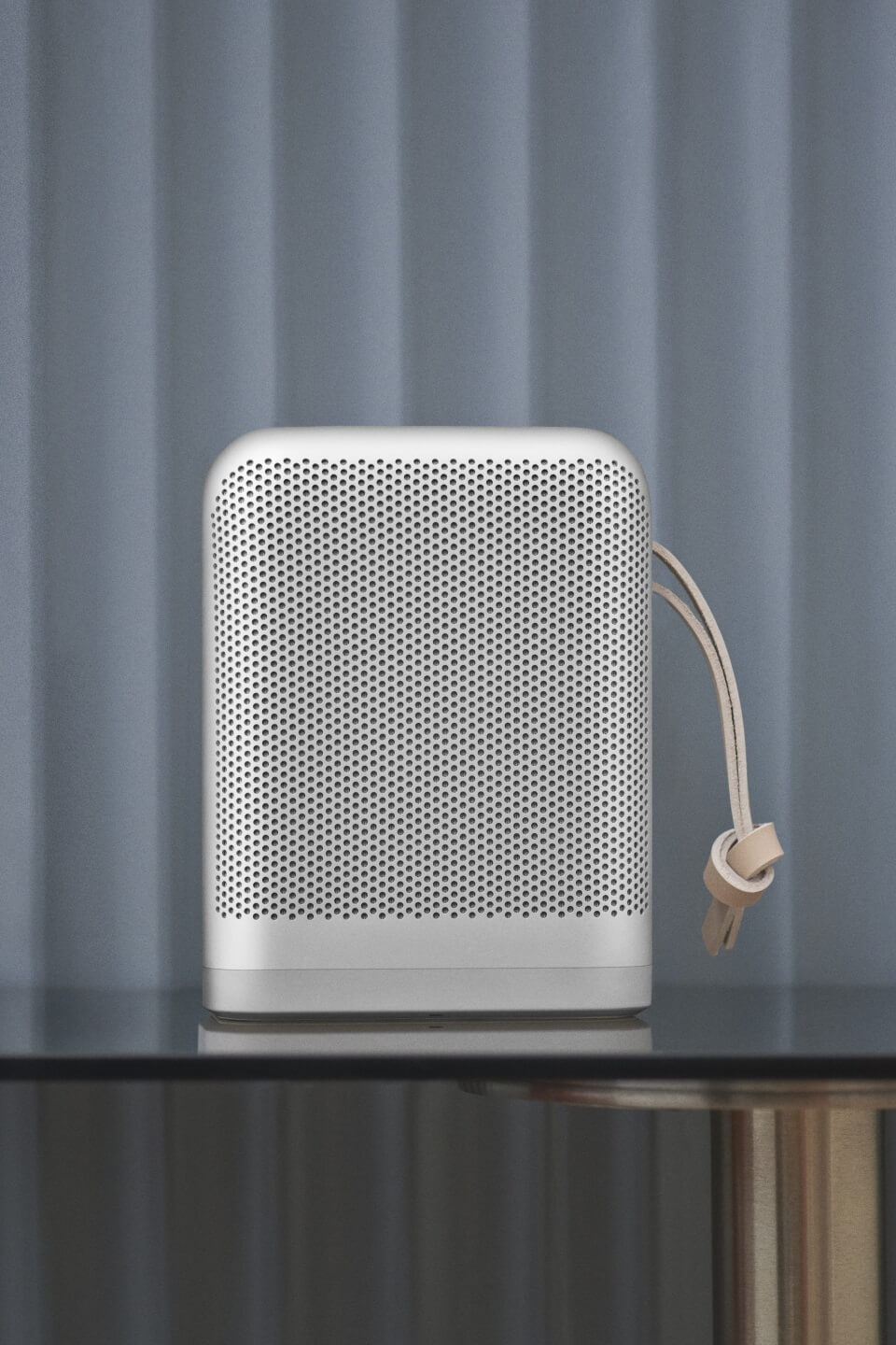 BeoPlay P6 natural Frontansicht