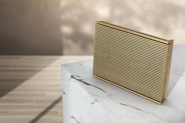 BeoSound Level Gold Tone / Light Oak