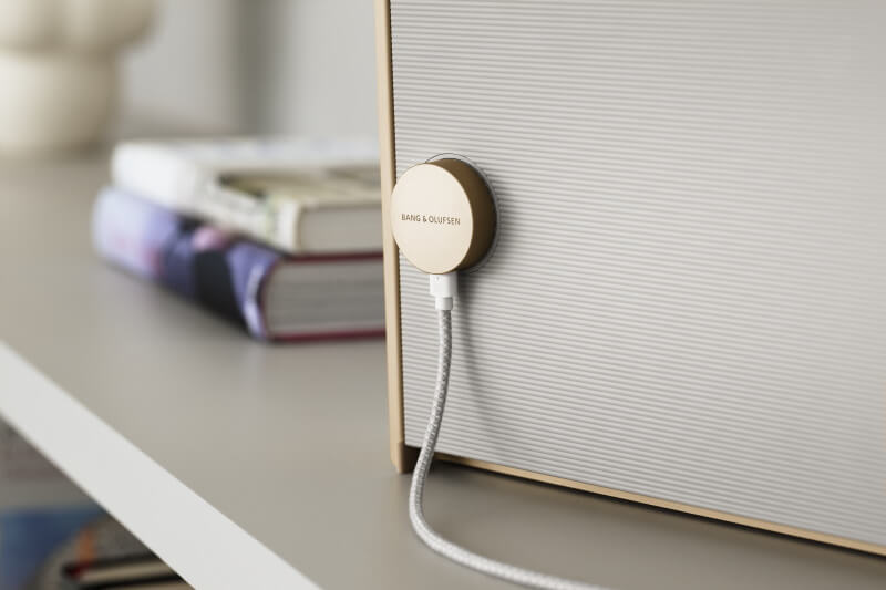 BeoSound Level - charging with style