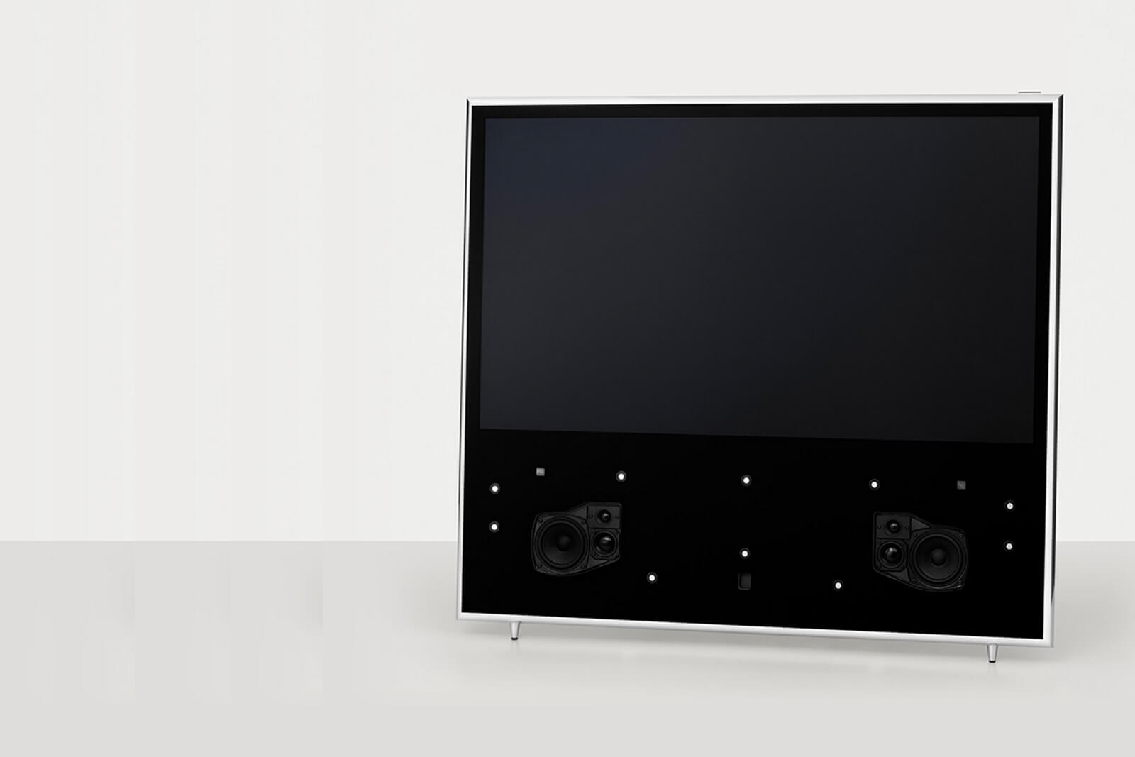 BeoVision 11 with active three-way speakers
